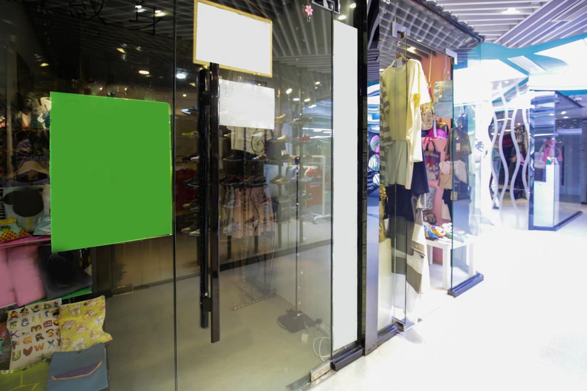 Glass door ups store - Storefront Listing Sleek Space For Pop Ups In The Hustle And Bustle Area