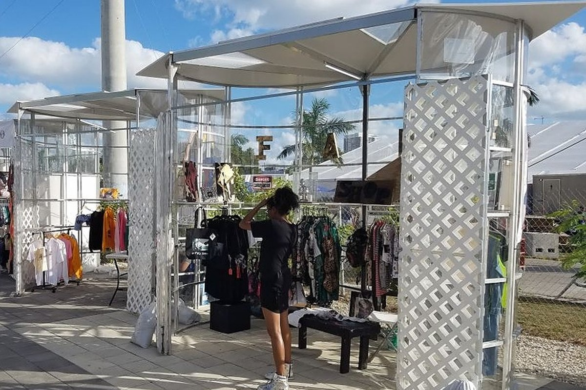 Espace Storefront 2 Bay Boutique at Bubble City in Wynwood dans Wynwood, Miami, United States.