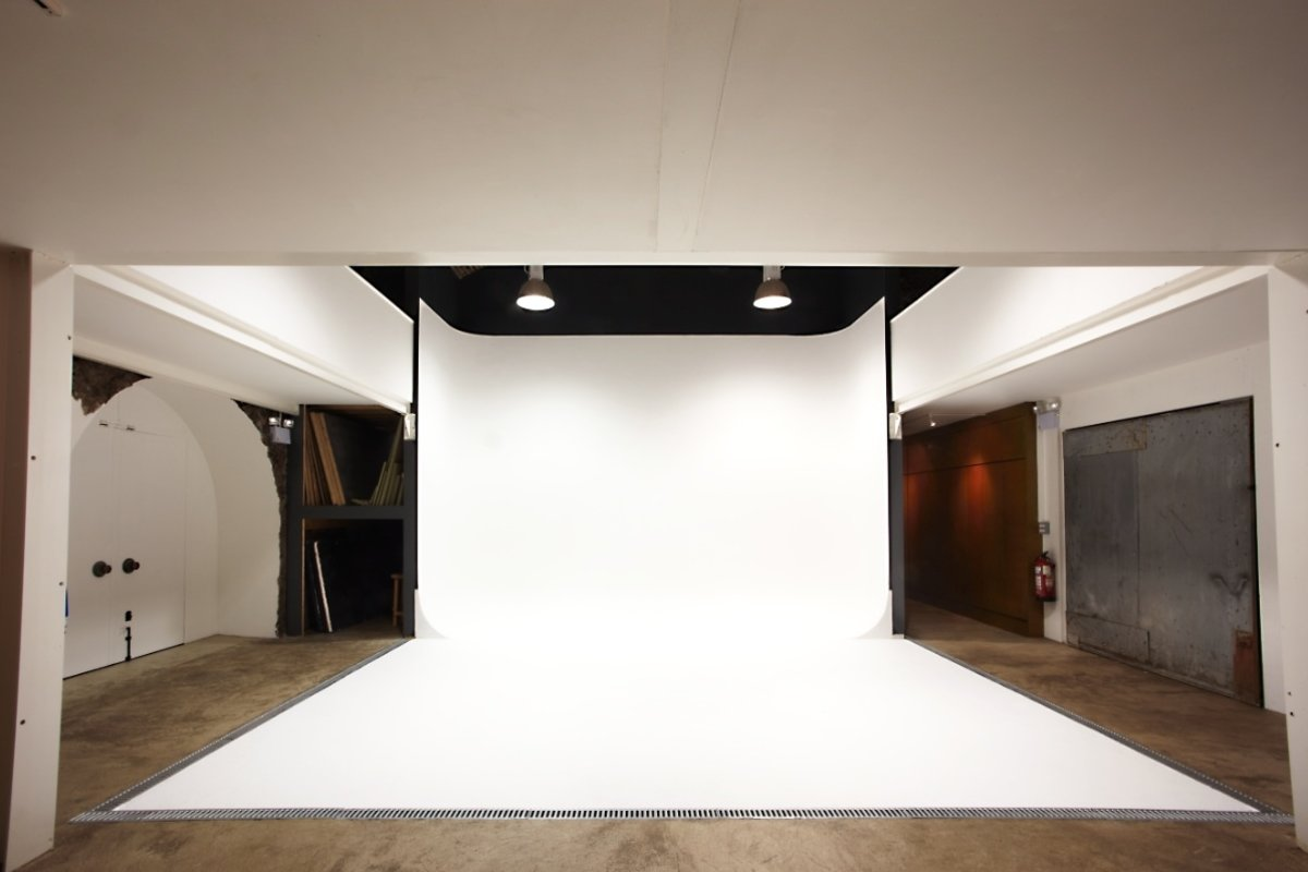 Storefront listing Shoreditch Production Studio in Shoreditch, London, United Kingdom.