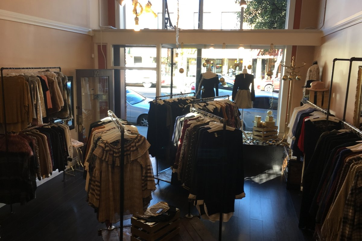 Storefront listing Pop-Up Shop in Pasadena Old Town in Pasadena, Los Angeles, United States.