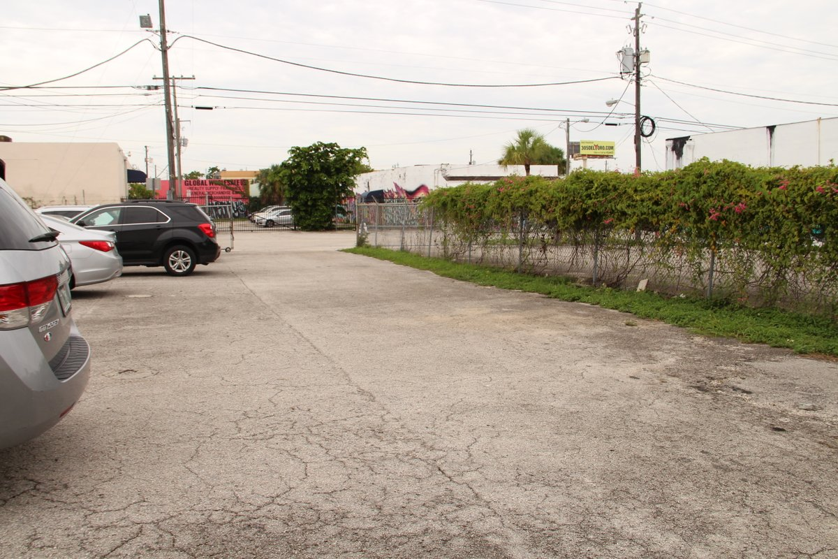 Storefront listing Wynwood Food Truck Space in Wynwood, Miami, United States.