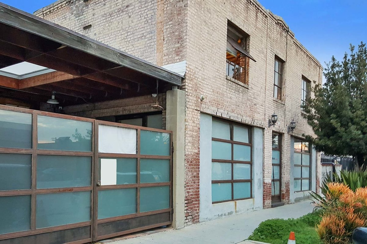 Storefront listing Unique Loft Space in Pasadena in Pasadena, Los Angeles, United States.