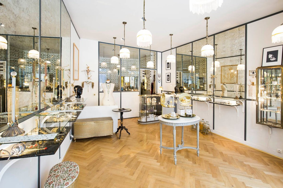 Storefront listing Elegant Palais-Royal Retail Space in Palais Royal, Paris, France.
