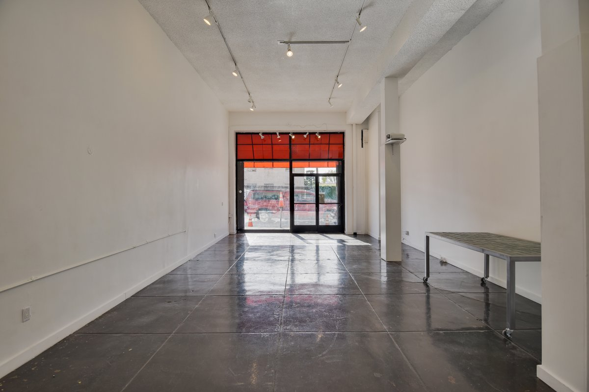 Storefront listing Melrose Ave Pop-up Space in Melrose, Los Angeles, United States.
