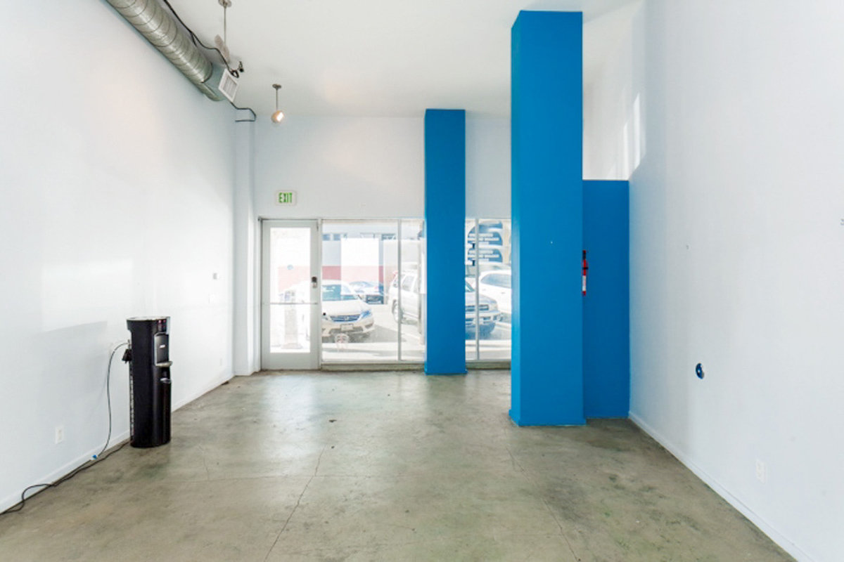 Storefront listing Retail Space in Central Venice, Los Angeles, United States.