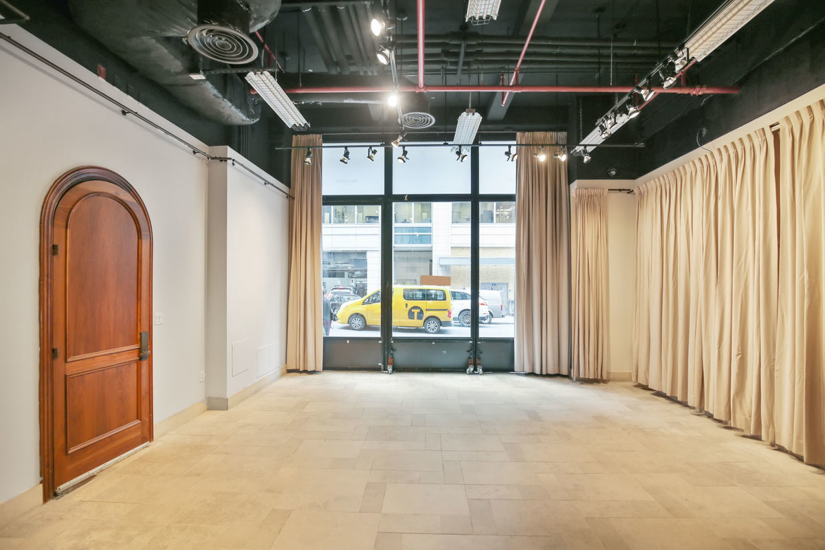 Storefront listing Sleek Midtown Pop-Up Space in Midtown, New York, United States.