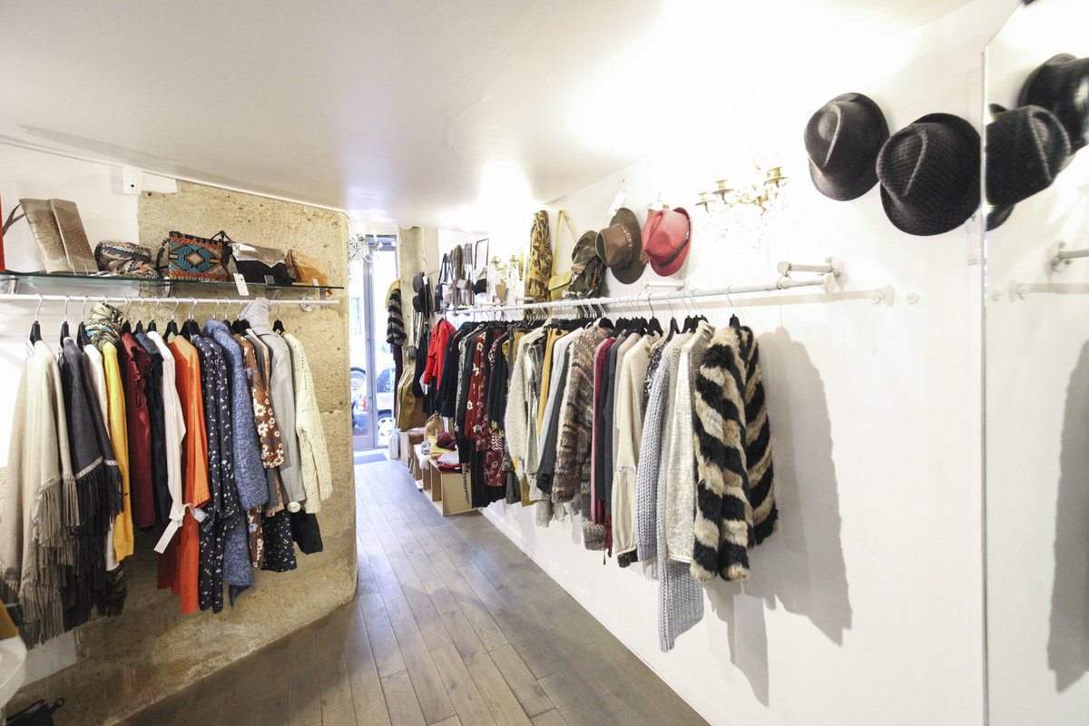 Storefront listing Cozy Le Marais Pop-Up Boutique in Le Marais, Paris, France.