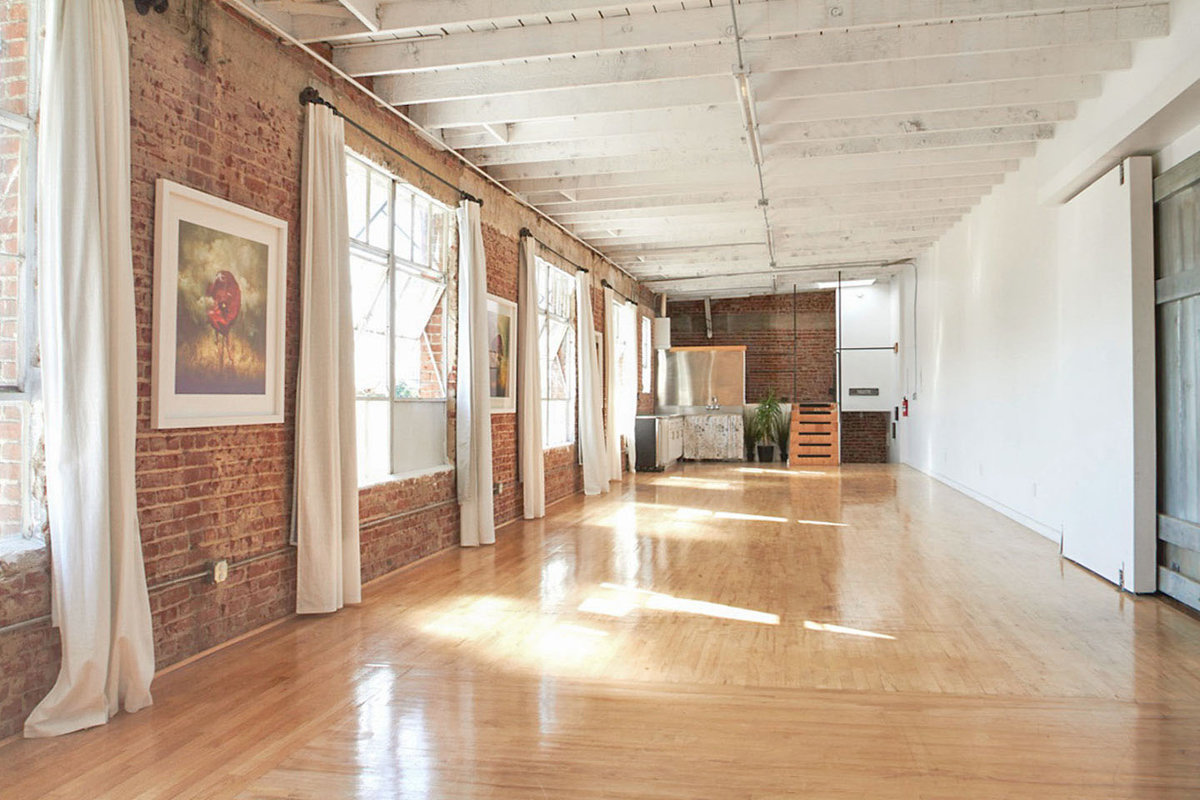 Storefront listing Bright Loft in South Los Angeles in South Los Angeles, Los Angeles, United States.