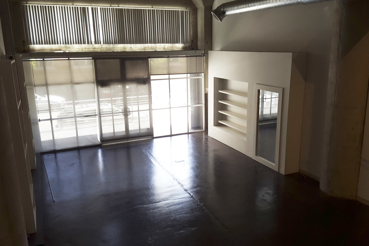 Storefront listing Minimal Pop-Up Space in DTLA, Los Angeles, United States.