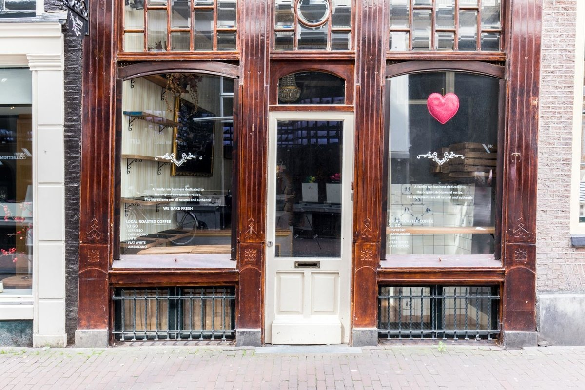 Storefront listing Cozy Pop-Up Shop in Center in City Center, Amsterdam, Netherlands.
