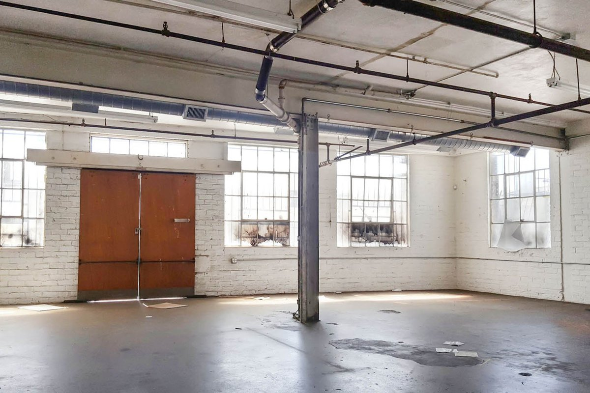 Storefront listing Raw Space In Arts Districts, Los Angeles, United States.