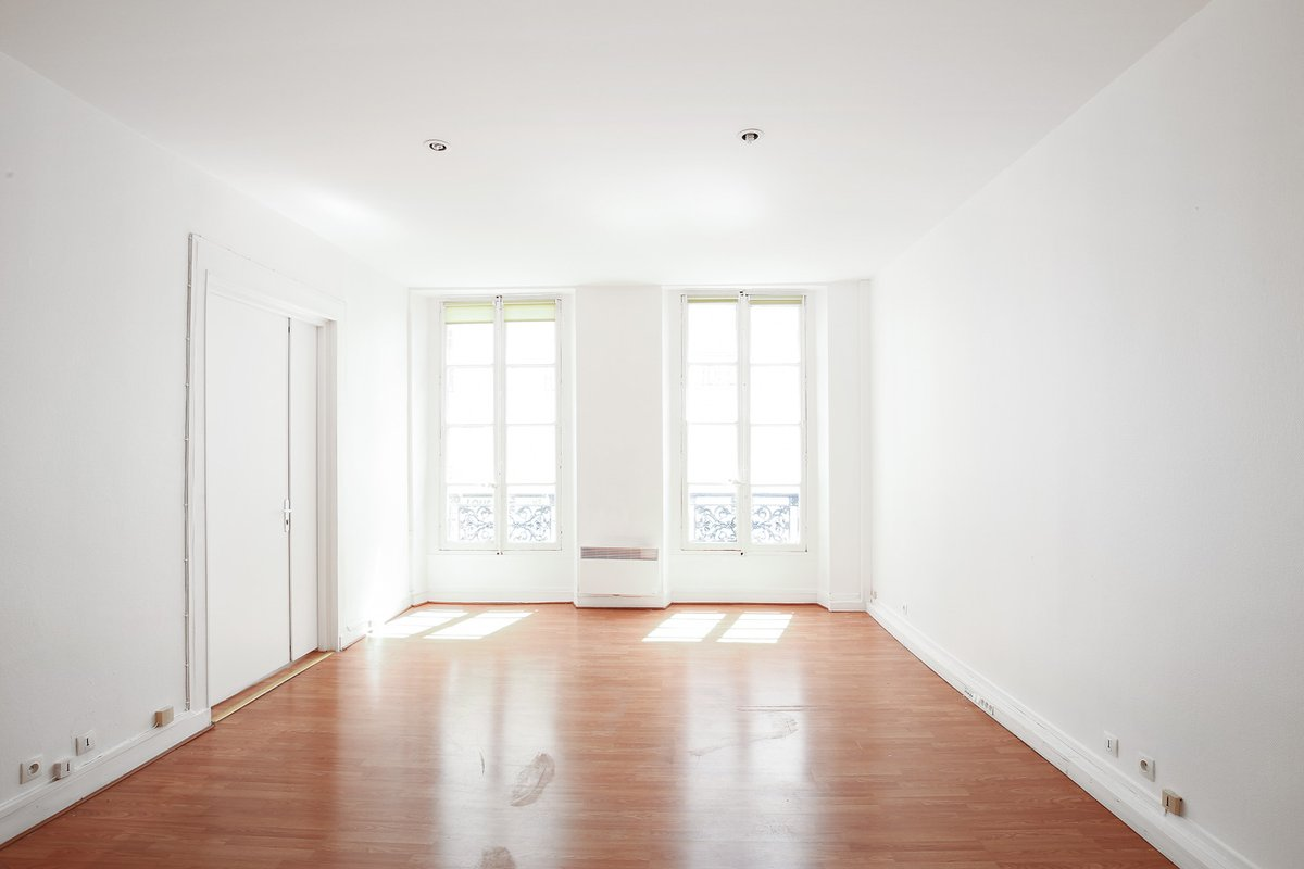 Storefront listing Modern Loft Event Space in Sentier in Sentier - Grands Boulevards, Paris, France.