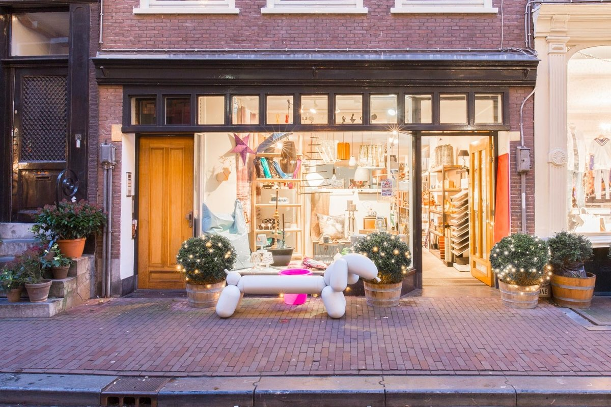 Storefront listing Unique Shop in Grachtengordel, Amsterdam, Netherlands.