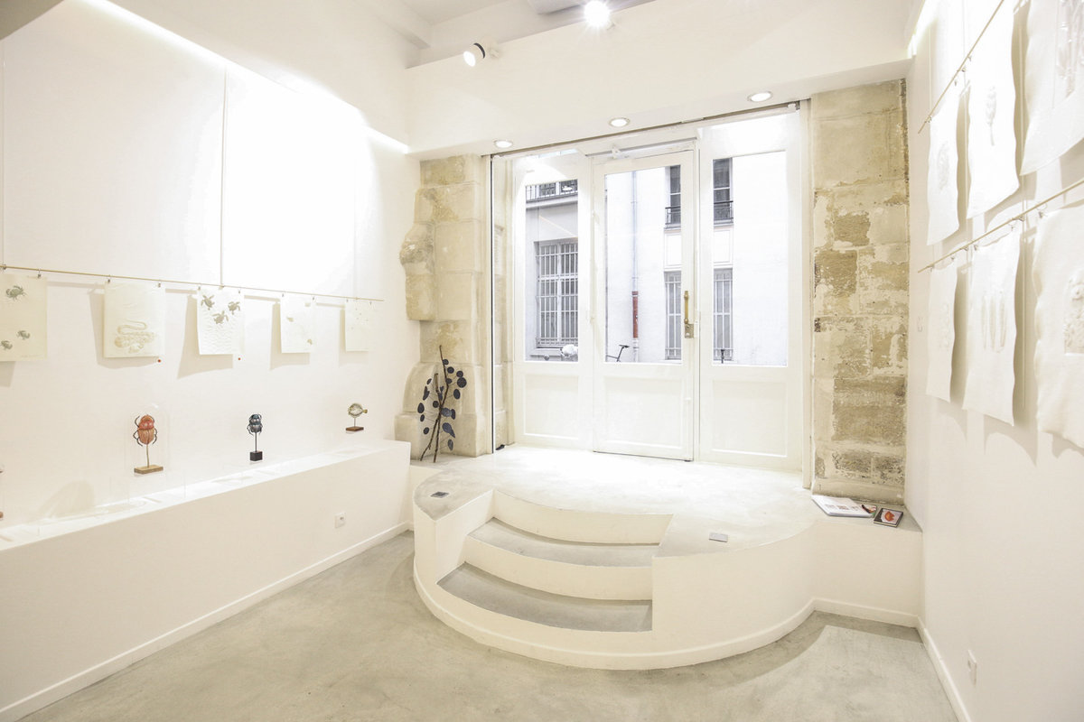 Storefront listing Classic Pop-Up Store in Rambuteau in Le Marais, Paris, France.