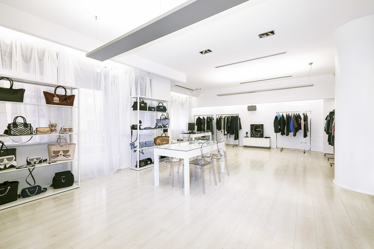 Storefront listing Immaculate Showroom Close to Moscova, Milan, Italy.