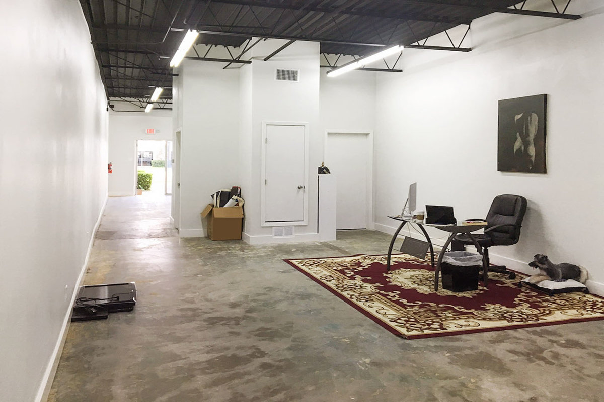 Storefront listing Gallery Space in Barton Estates in Barton Estates, Irving, United States.