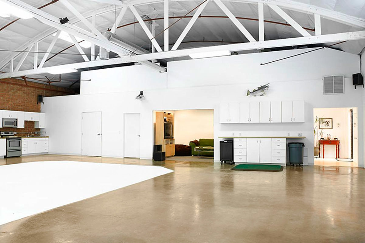 Storefront listing Creative Loft Style Space in Culver City in Culver City, Los Angeles, United States.