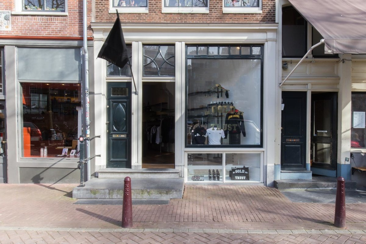 Storefront listing Pop-Up Store in  Vibrant Center in Grachtengordel, Amsterdam, Netherlands.