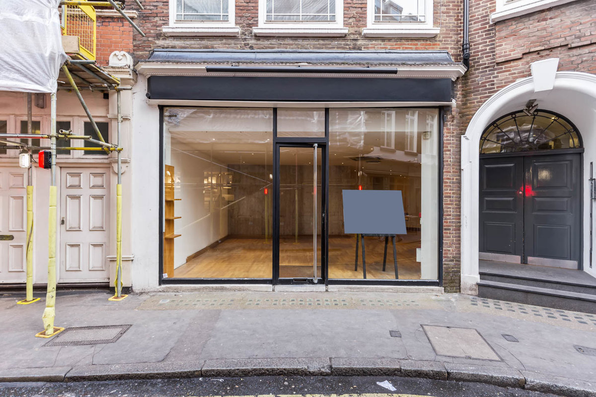 Storefront listing Contemporary Mayfair Pop-Up in Mayfair, London, United Kingdom.