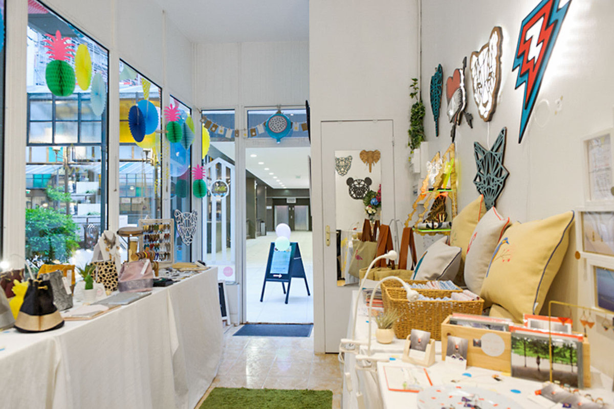 Storefront listing Bright Pop-Up Shop in Montparnasse in Pasteur-Montparnasse, Paris, France.