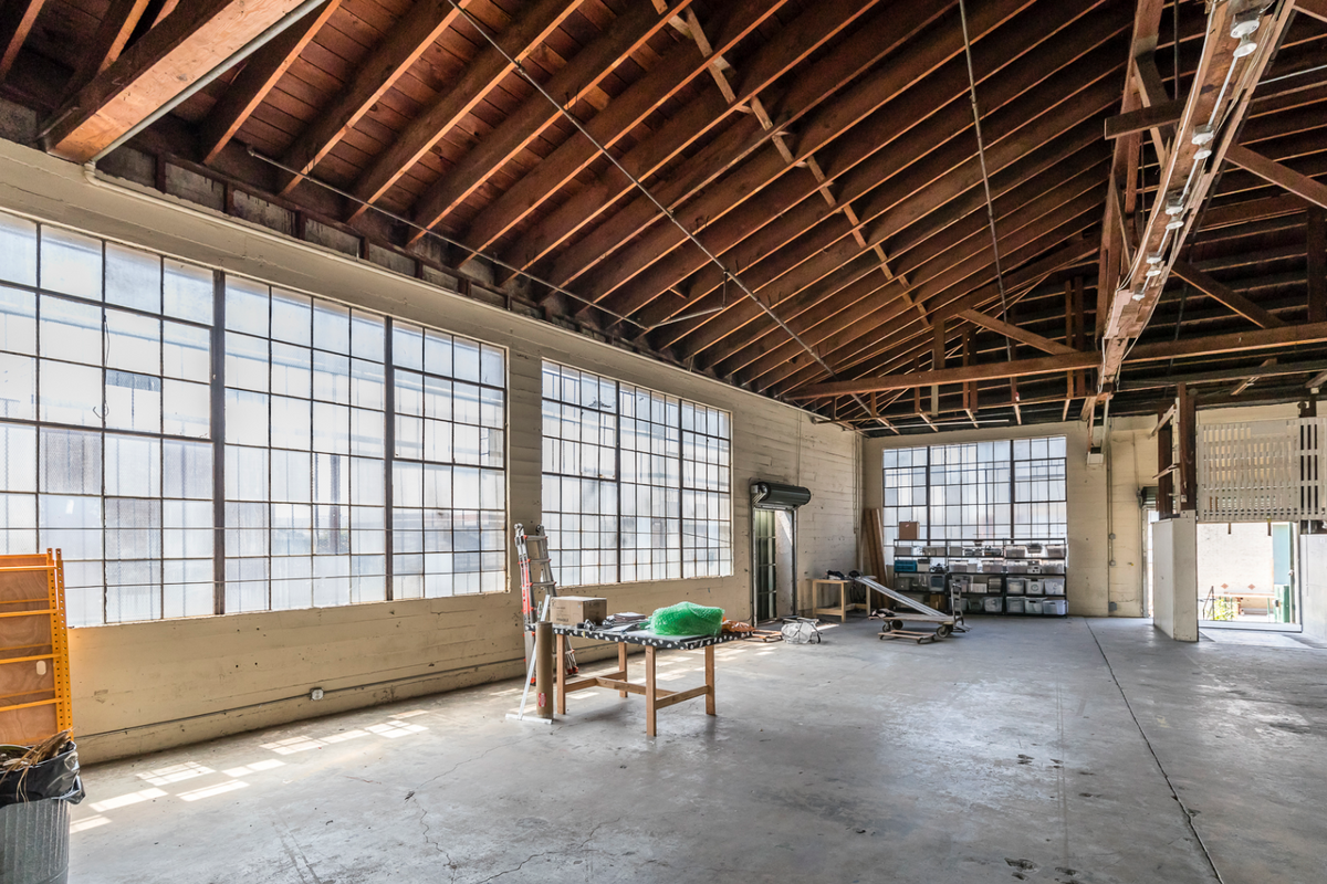 Storefront listing Vast Warehouse in Arts District in Arts District, Los Angeles, United States.