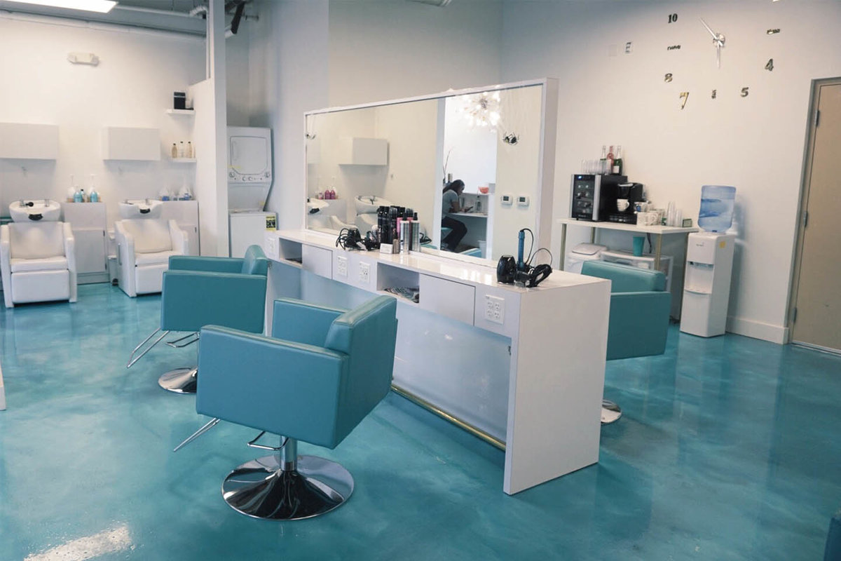 Storefront listing Modern Salon in The NoHo Arts District in North Hollywood, Los Angeles, United States.