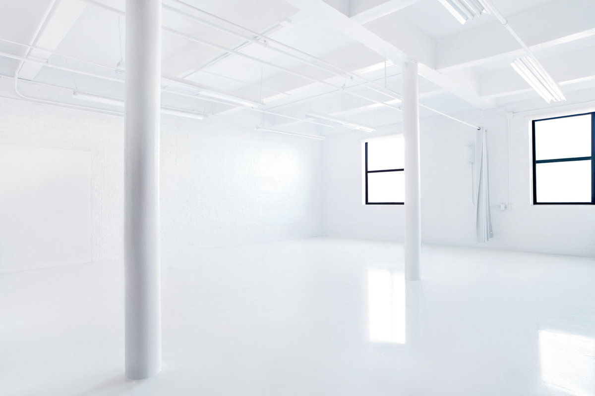 Storefront listing Pristine Studio in Hunters Point in Hunters Point, New York, United States.