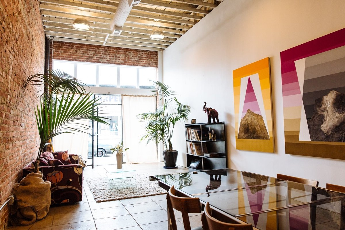 Storefront listing Studio Space in Hollywood in Hollywood, Los Angeles, United States.