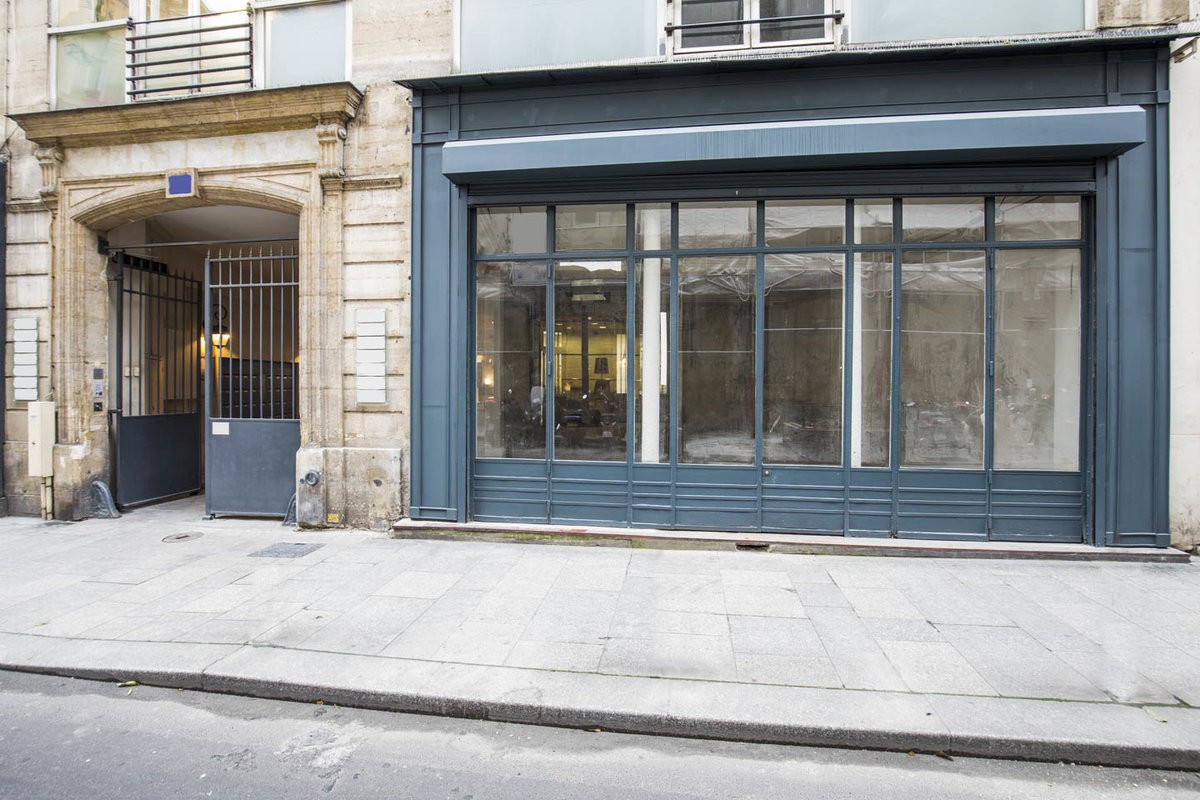 Storefront listing Raw Retail Space in Le Marais, Paris, France.