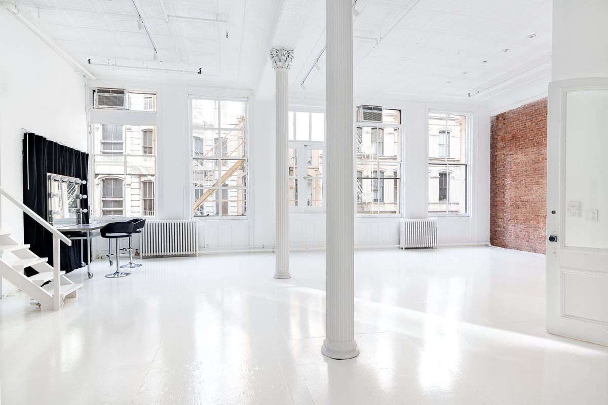 Storefront listing Luminous Soho Loft Showroom in SoHo, New York, United States.