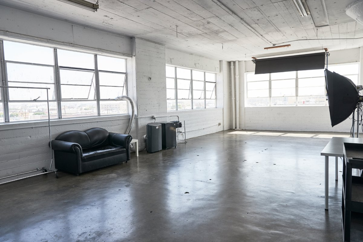 Storefront listing Simple Downtown Loft with Plenty of Sunshine in Central LA, Los Angeles, United States.