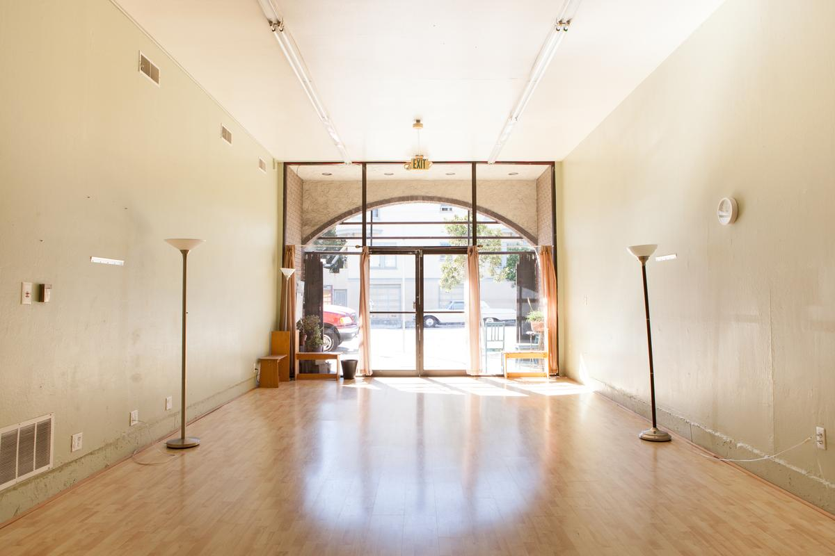 Storefront listing Pop-Up Gallery in Inner Richmond in Inner Ritchmond, San Francisco, United States.