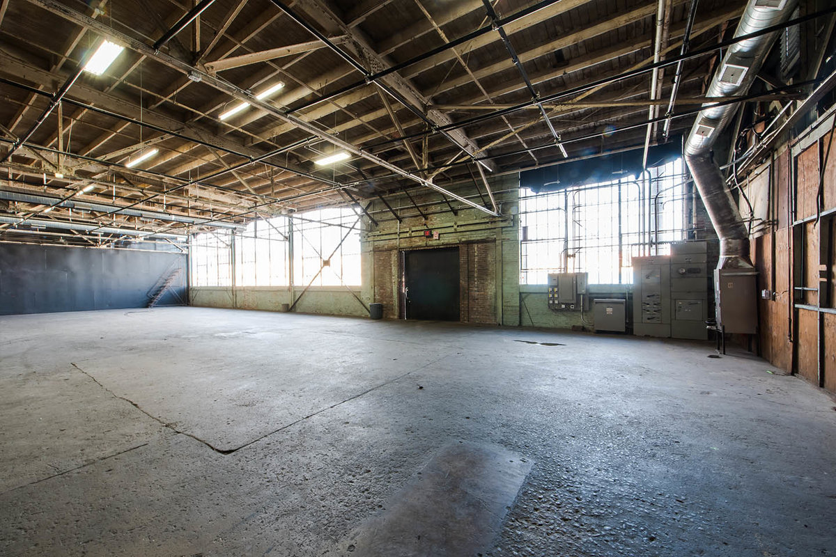Storefront listing Raw Industrial Warehouse Studio in South Los Angeles, Los Angeles, United States.