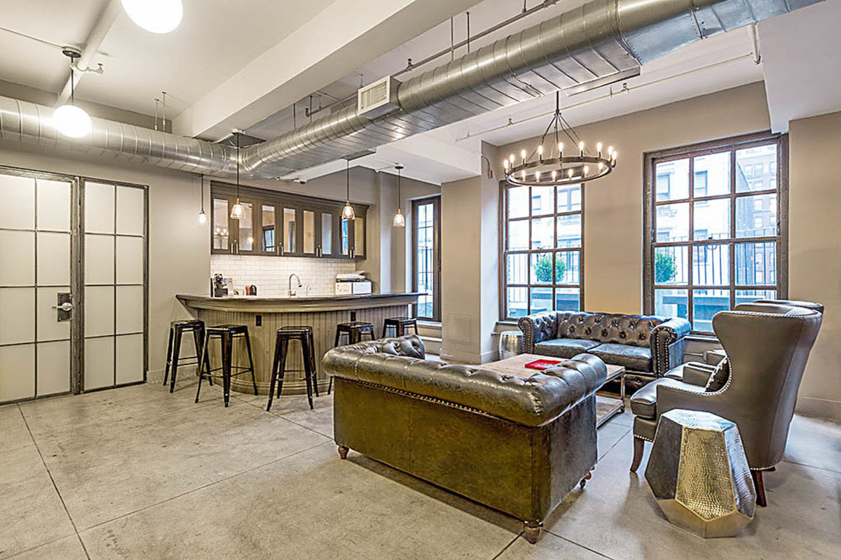 Storefront listing Stylish Loft Venue in Midtown in Midtown West, New York, United States.