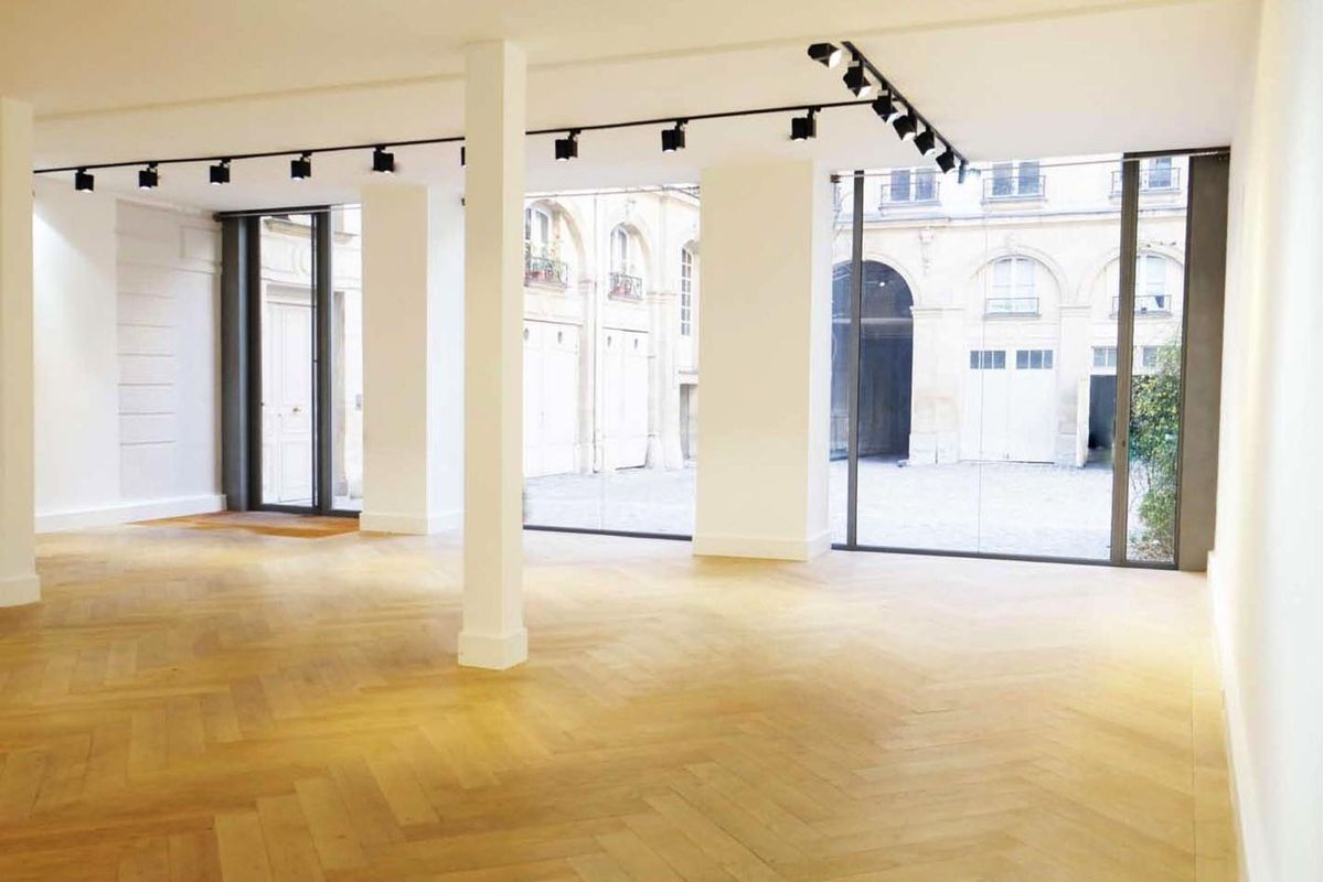 Storefront listing Bright Art Space in Busy Le Marais in Le Marais, Paris, France.