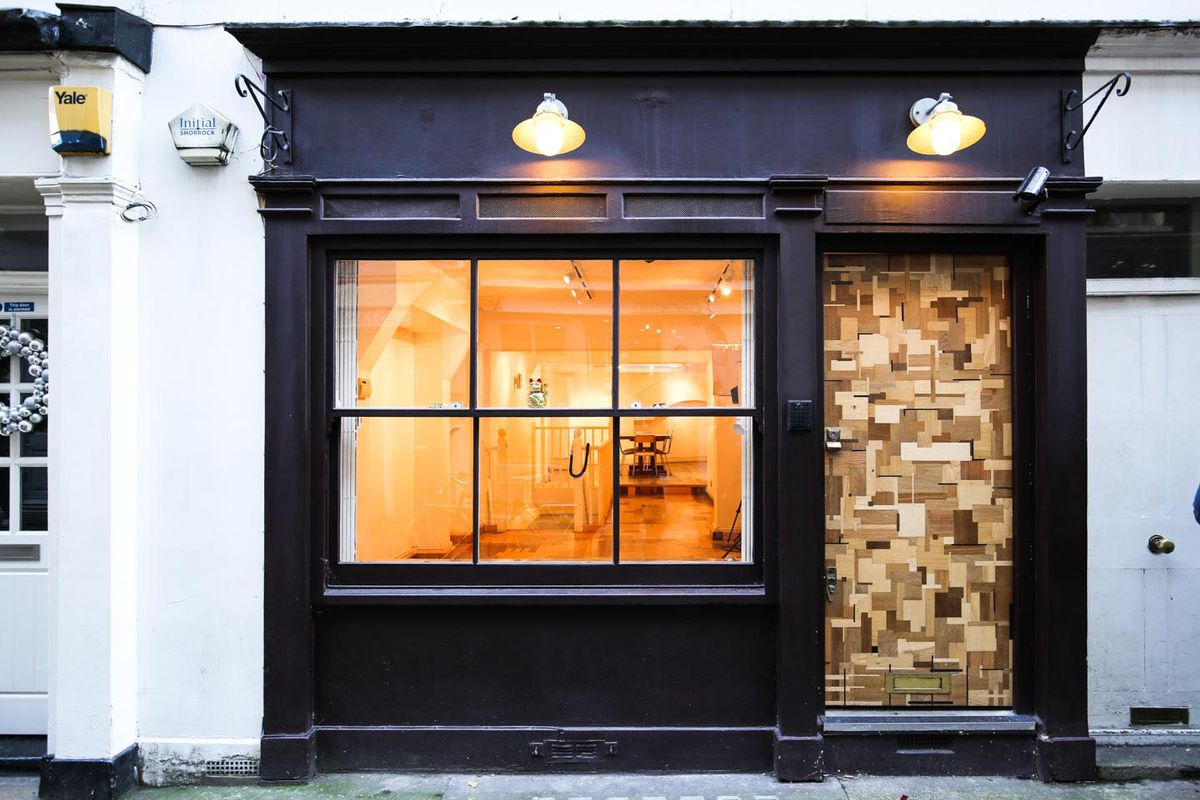 Storefront listing Modern Pop-Up Gallery in Fitzrovia in Fitzrovia, London, United Kingdom.