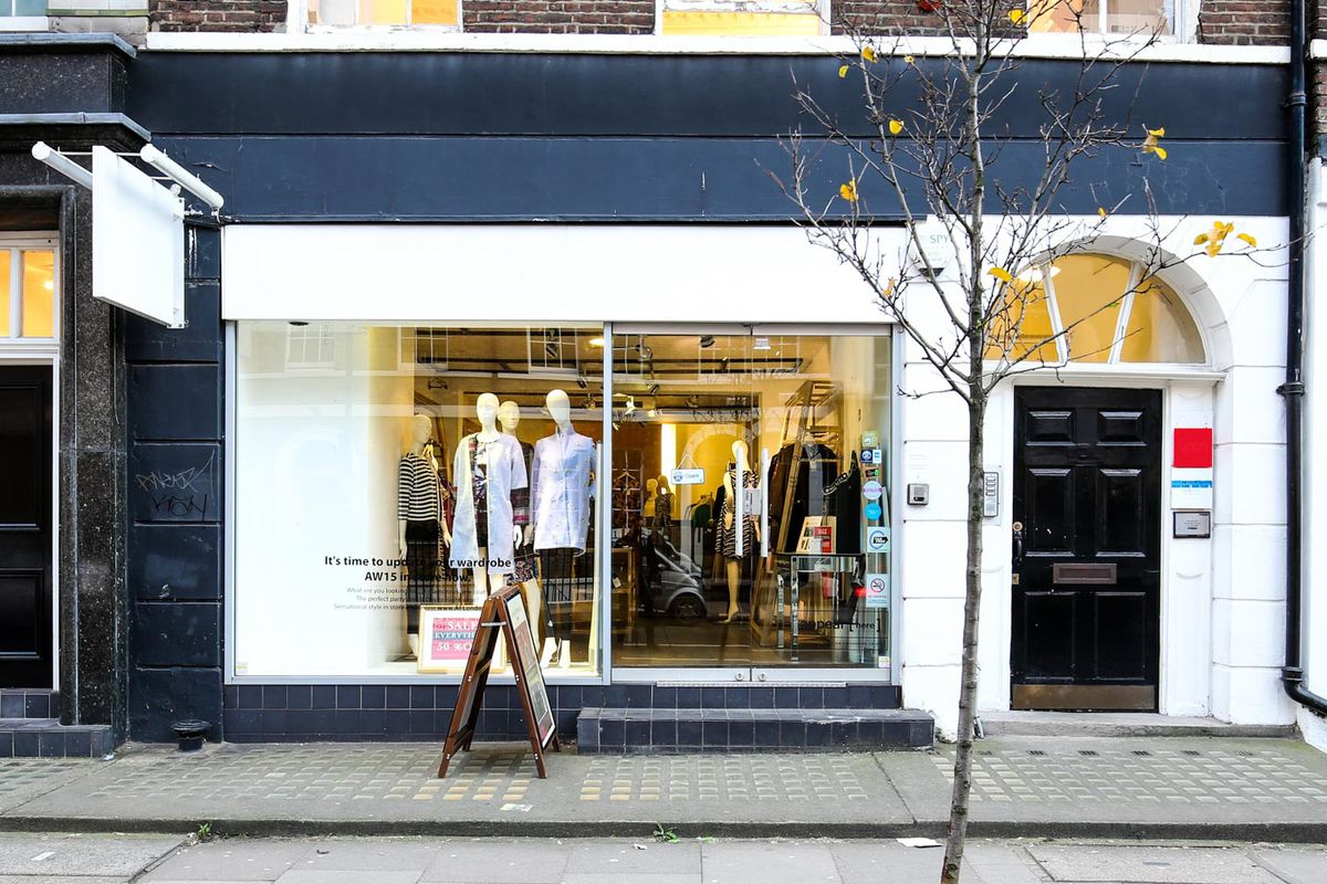 Storefront listing Modern Pop-Up Store in Fitzrovia in Fitzrovia, London, United Kingdom.