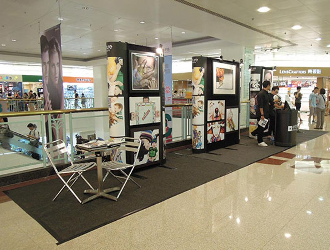 Espace Storefront Lovely Pop-Up Booth in Busy Diamond Hill Shopping Mall dans Diamond Hill, Hong Kong, Hong Kong.