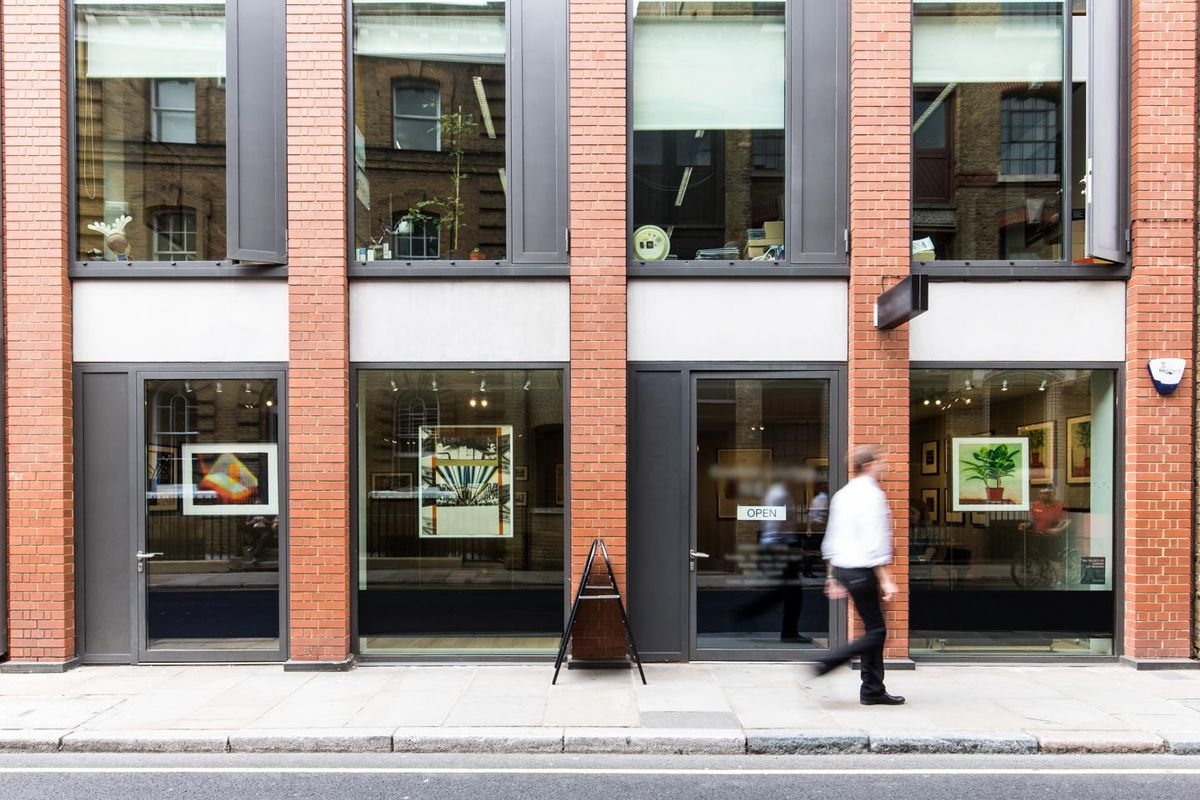 Storefront listing Smart Gallery in Bermondsey in London Bridge, London, United Kingdom.