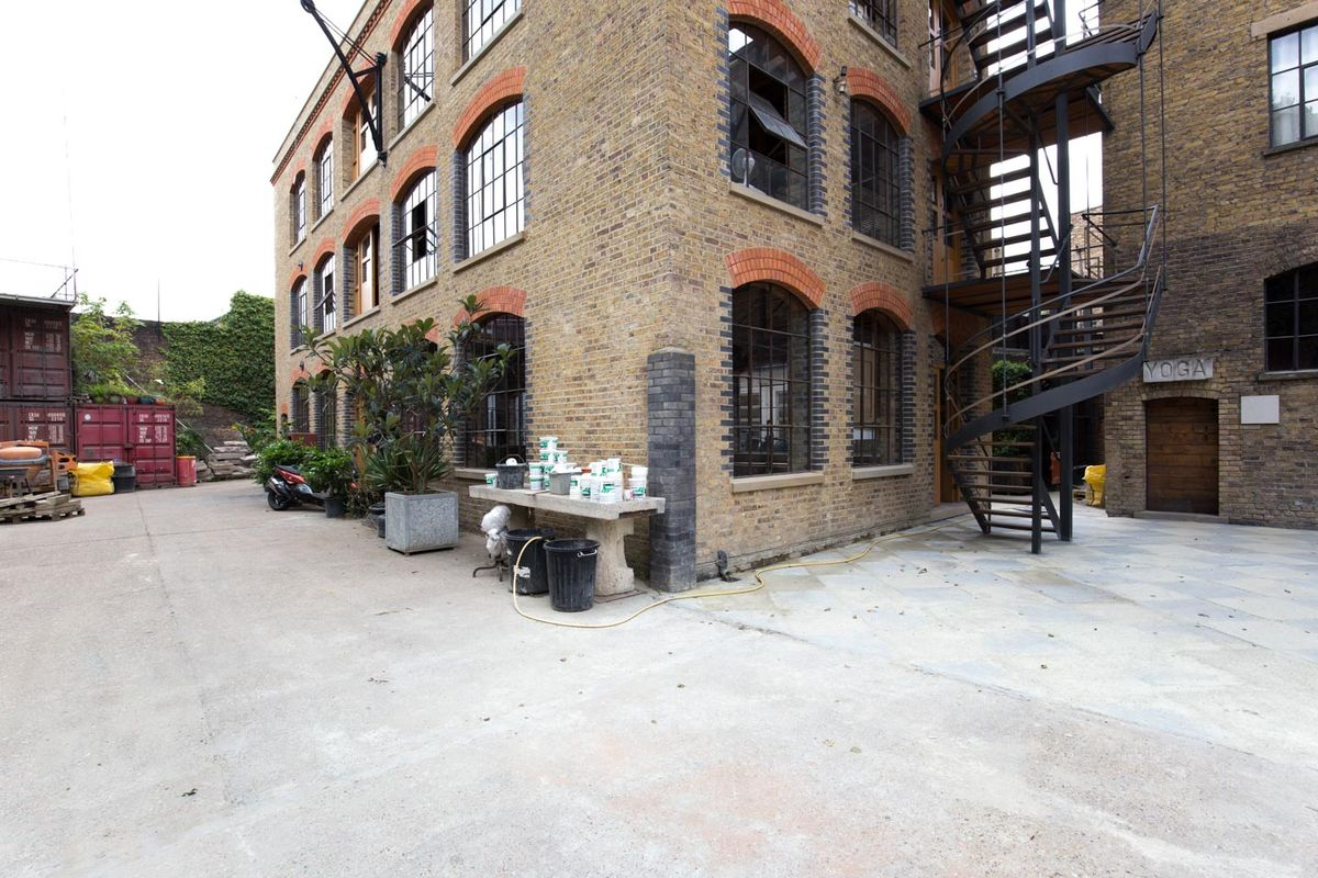 Storefront listing Urban Pop-Up Space in Bermondsey in Bermondsey, London, United Kingdom.