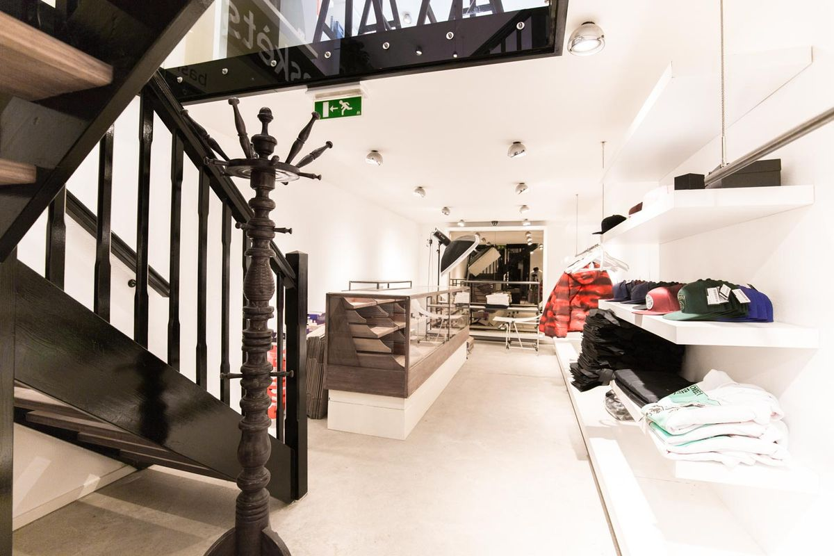 Storefront listing Luxurious Boutique in Unbeatable Jordaan Area, Amsterdam, Netherlands.