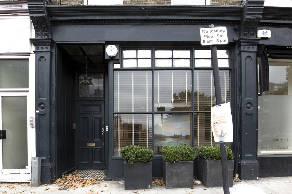 Storefront listing Beautiful Pop-Up Space in Fulham in Fulham, London, United Kingdom.