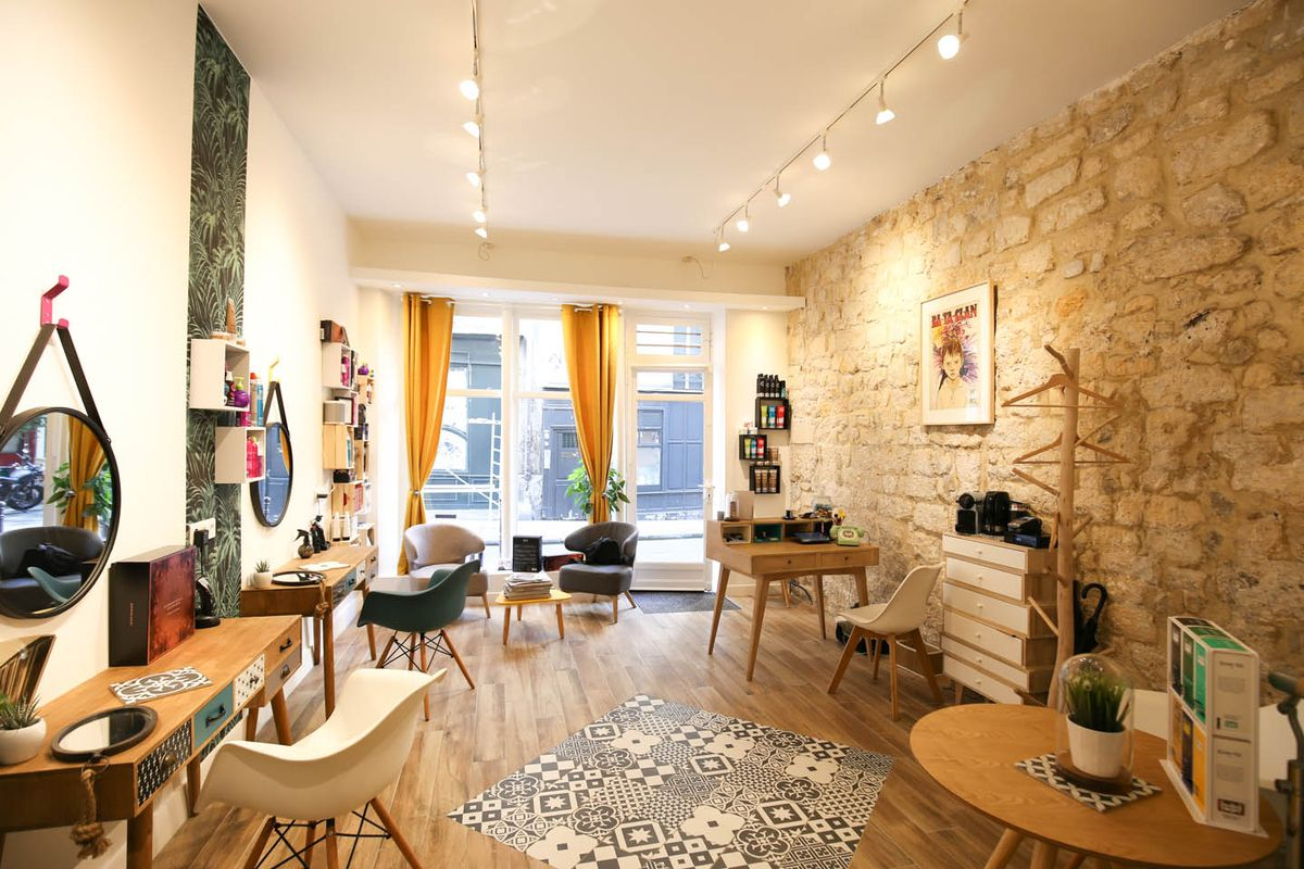 Storefront listing Pop-Up Store in Enfants-Rouges in Le Marais, Paris, France.