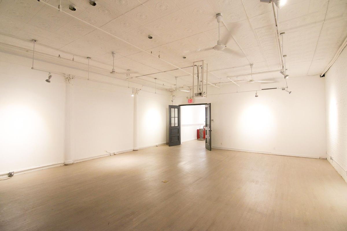 Storefront listing Spacious Gallery in Tribeca in Tribeca, New York, United States.