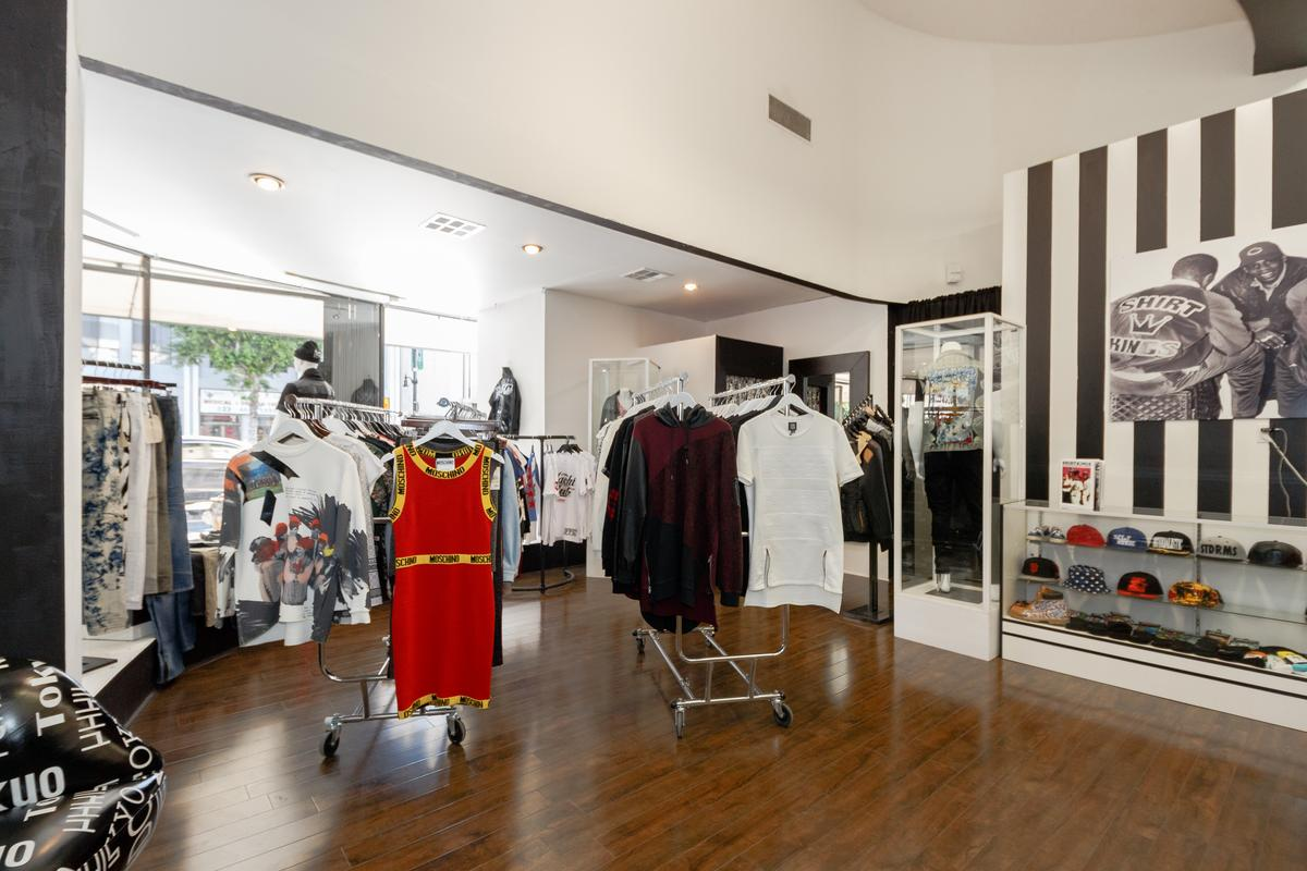 Storefront listing Pop-Up Shop on Hollywood Boulevard in Yucca, Los Angeles, United States.