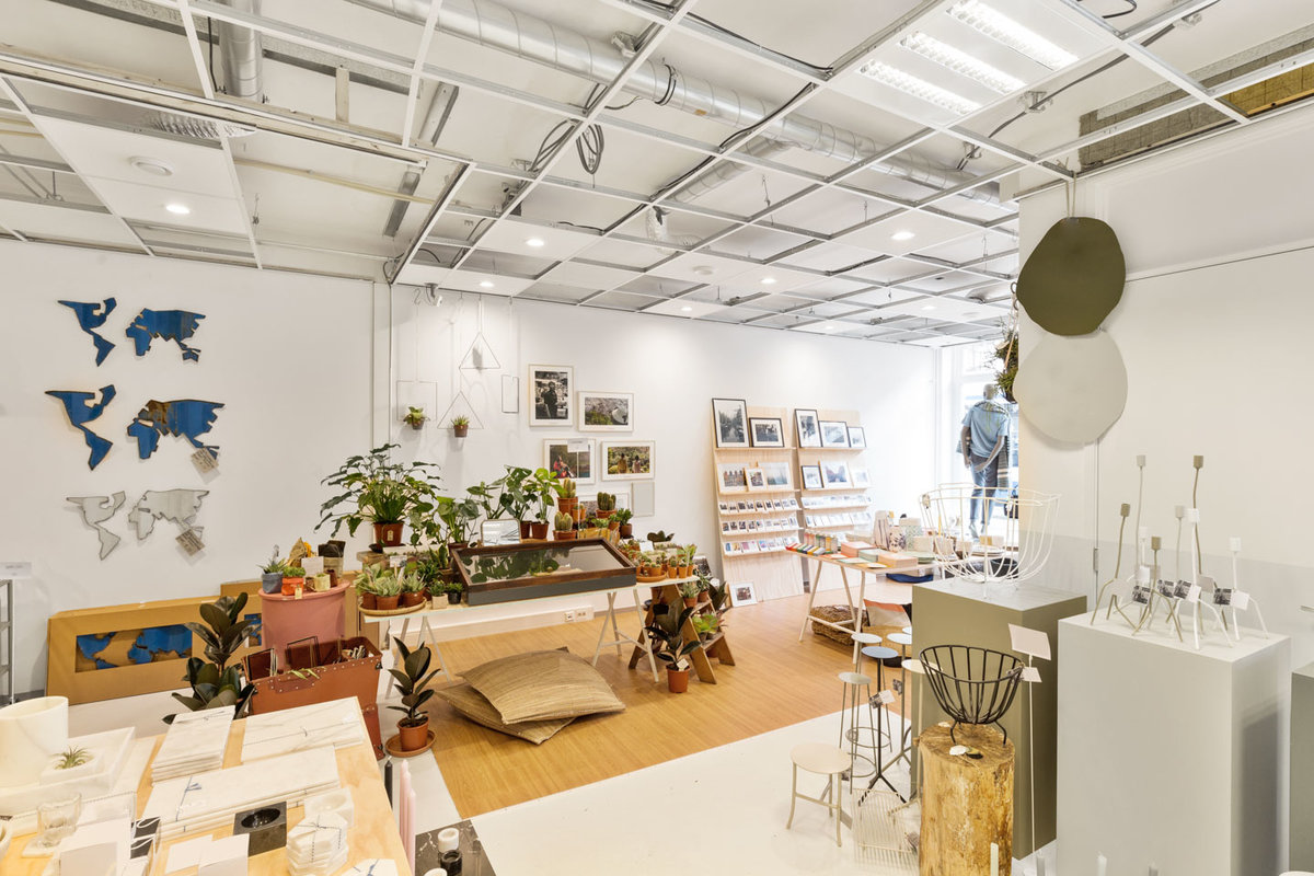 Storefront listing Shared Space in Trendy West in West, Amsterdam, Netherlands.