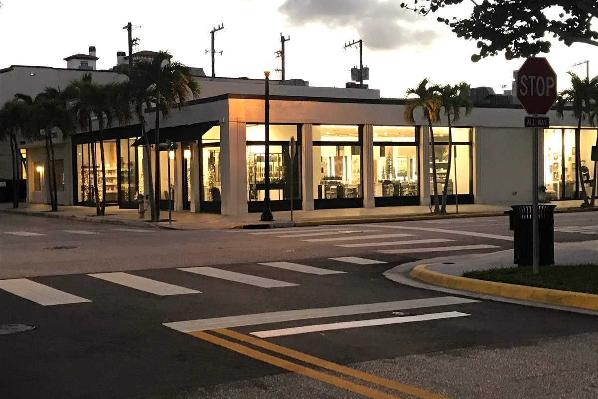 Storefront listing Prestigious, Exclusive Space near Worth Ave, Palm Beach, United States.