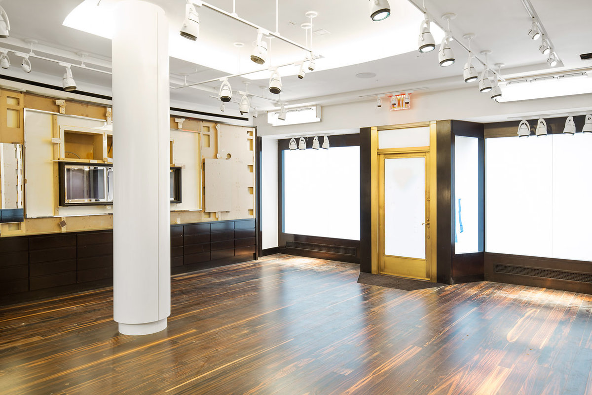 Storefront listing Premium Pop-Up Store in UES in Upper East Side, New York, United States.