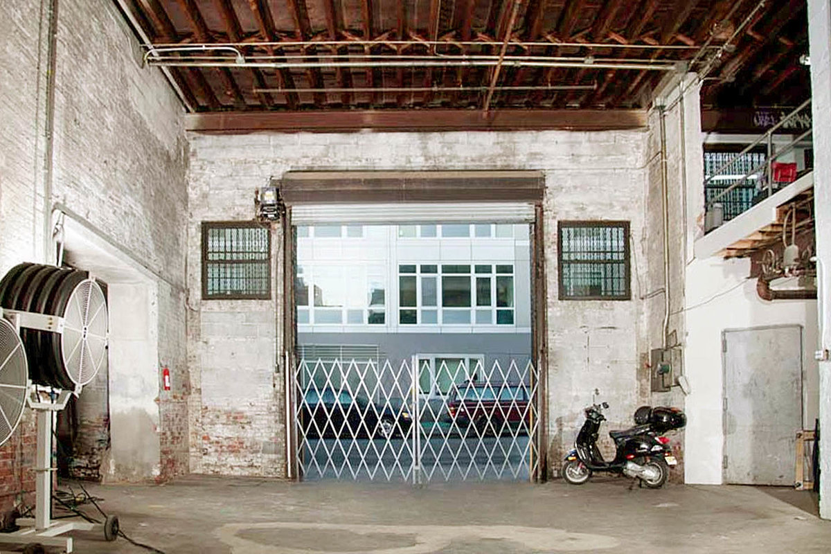 Storefront listing Customizable Warehouse in Williamsburg in North Side, New York, United States.