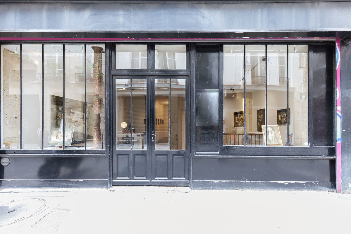 Storefront listing Gallery Space in Beaubourg, Paris, France.